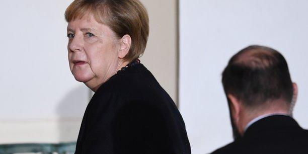Merkel rejette les appels a davantage d'investissements publics[reuters.com]
