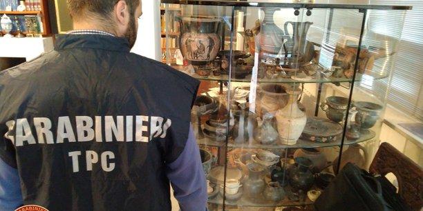Coup de filet en europe, 10.000 objets archeologiques retrouves[reuters.com]
