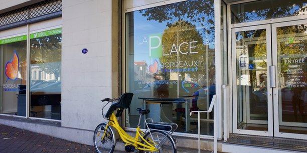 Depuis 2004, Bordeaux Technowest accompagne plus de 260 startups réparties sur huit sites, dont La Place, à Bordeaux, lieu dédié aux thématiques de la transition et de l'efficacité énergétique.
