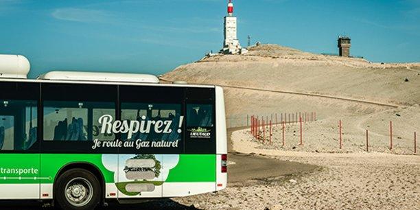Dans l'objectif de servir une mobilité urbaine propre, GRDF accompagne les constructeurs de stations publiques de distribution de BioGNV, visant dans un premier temps les poids-lourds, les bus, les cars et les bennes à ordures ménagères.