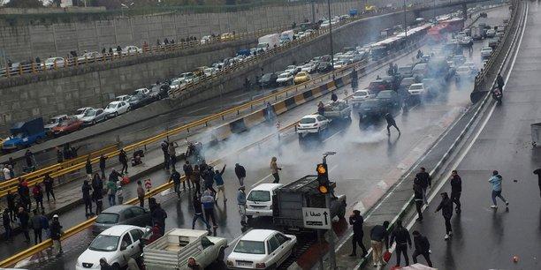 Une centaine de manifestants ont ete tues en iran, selon amnesty[reuters.com]
