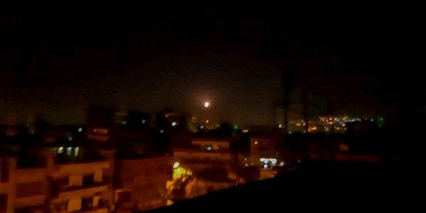 Raids israeliens contre des cibles militaires iraniennes et syriennes en syrie[reuters.com]