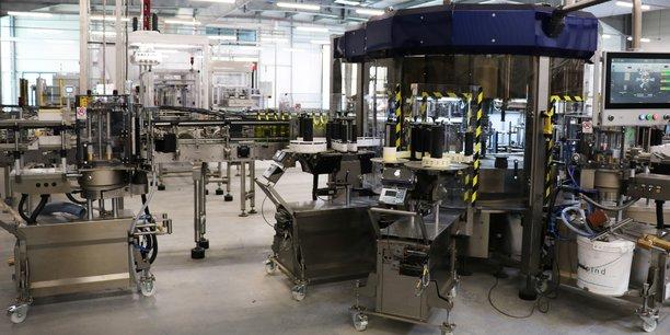 La nouvelle usine s'étend sur 7 000 m2, dont 4 000 m2 pour la partie conditionnement