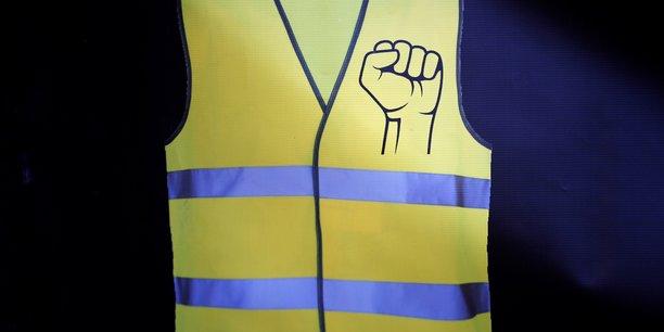 Gilets jaunes: du sursis requis contre un policier a paris pour violence[reuters.com]