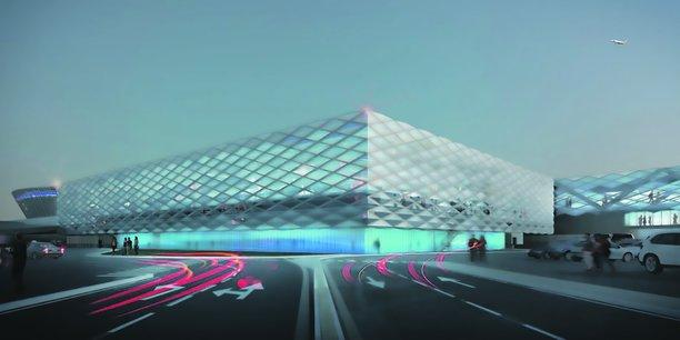 TPF Ingénierie vient de remporter, via sa filiale Sealar, la gestion de l'aéroport de Poitiers-Biard pour une durée de douze ans. Elle intervient également dans la gestion de l'extension de l'aéroport Nice Côte d'Azur.