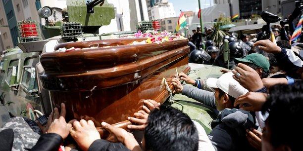 Bolivie: des pro-morales defilent avec les cercueils de manifestants tues[reuters.com]