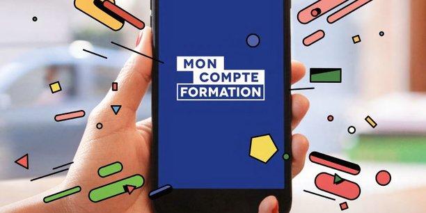 Le service est disponible sur le site internet moncompteformation.fr, ou via une application mobile sur système Apple ou Android.