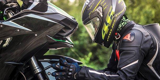 La start-up montpelliéraine Sheeld invente un dispositif connecté permettant notamment l'emergency-call pour les motos.