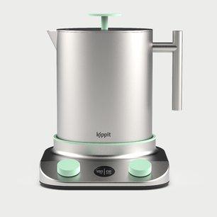 La bouilloire conçue par Kippit permet de faire chauffer de l'eau, des biberons et fait aussi cuiseur vapeur et bain-marie.