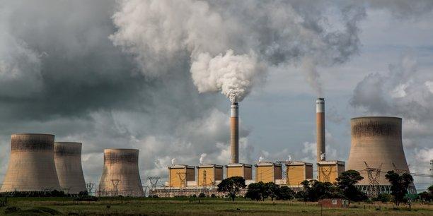 Paradoxalement, alors que les activistes du climat dénoncent à qui mieux mieux « le capitalisme » ou « la finance », les actionnaires et les prêteurs deviennent les meilleurs alliés de la lutte contre le réchauffement climatique.