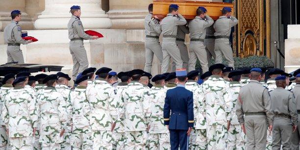 La france rend un dernier hommage a ses soldats morts au mali[reuters.com]