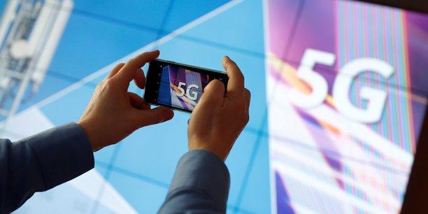 En permettant de connecter à la fois les hommes, les produits et les services, la 5G représente un saut technologique sans précédent.