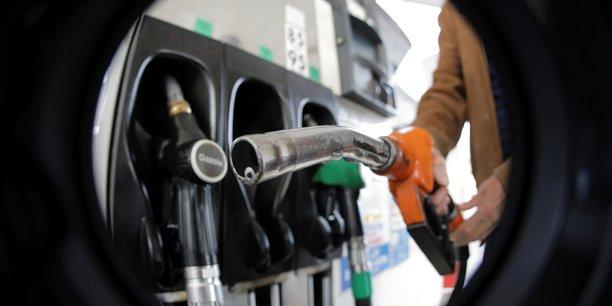 Des depots petroliers toujours bloques dans l'ouest[reuters.com]