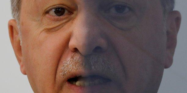 Erdogan menace l'otan avant de s'envoler pour londres[reuters.com]