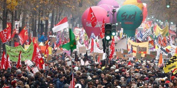 La Bourse de Paris optimiste, malgré le gros plongeon de la distribution, Casino et Fnac Darty en tête