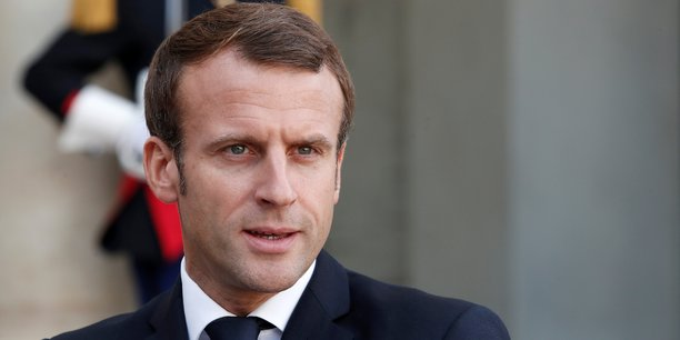 Retraites: Macron recevra la majorité mardi soir et non pas lundi