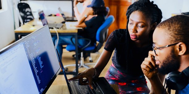 HOMO NUMERICUS. La crise actuelle met le digital sur le devant de la scène. Il avait déjà changé nos vies, il s'apprête à les transformer encore plus profondément : travail, éducation, santé. Au moins cette crise aura-t-elle permis de faire émerger cette