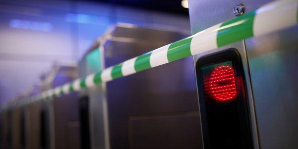 Une nouvelle journee tres compliquee dans les transports mardi[reuters.com]