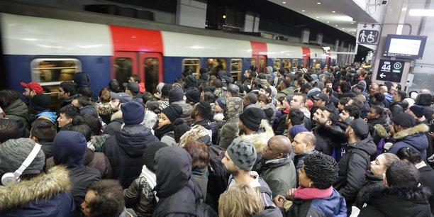 France: nouvelle journee test pour les retraites, les transports perturbes[reuters.com]