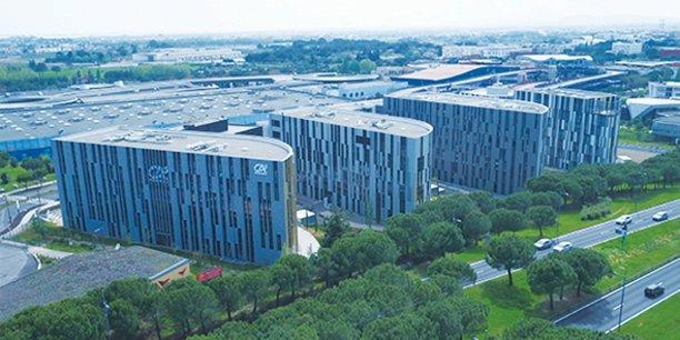 A l'entrée de Montpellier, l'@7 Center offre 33 000 m2 de bureaux sur 7 bâtiments.