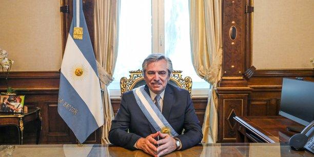 Argentine: fernandez prete serment, la gauche peroniste reprend les commandes[reuters.com]