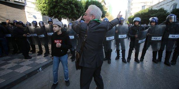 pas d'election demain !: manifestation en algerie contre la presidentielle[reuters.com]