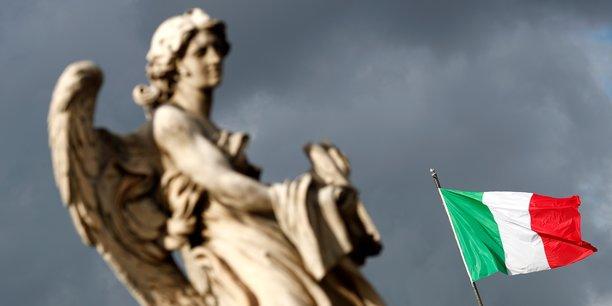 Les autorites italiennes injectent 900 millions d'euros dans popolare di bari[reuters.com]