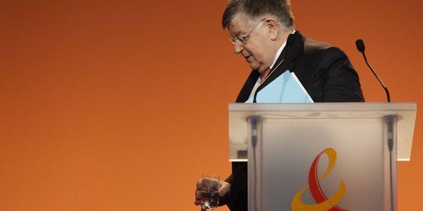 Didier Lombard, le 25 février 2010, à la conférence de résultats de France Télécom lors de laquelle a été annoncée l'arrivée d'une nouvelle équipe de direction.
