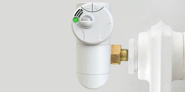Munie de sept capteurs, la tête thermostatique d'Eisox mesure la température, l'humidité ou la luminosité, et gère les plannings de chauffage.