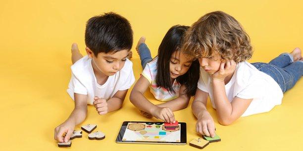 Marbotic a développé une collection d'applications et de pièces en bois dont la fonction est de divertir mais surtout d'apprendre.