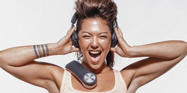 En transformant les graves en ondes sonores et vibrations, le BassMe offre une expérience auditive amplifiée et sensitive.