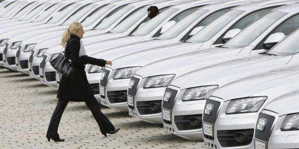 Acheter une nouvelle voiture, c'est changer d'assurance auto. REUTERS Michaela Rehle