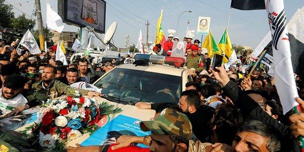 Des milliers de personnes ont participé samedi à Bagdad aux funérailles du général iranien Qassem Soleimani, du chef de milice irakien Abou Mahdi al Mouhandis et des autres victimes de la frappe aérienne lancée par les Etats-Unis dans la nuit de jeudi à vendredi près de la capitale irakienne.