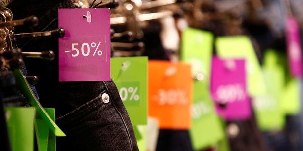Cette année encore, 80% des Français assurent qu'ils feront les soldes, pour un panier moyen de 193 euros, selon les résultats d'un sondage réalisé par l'institut Ifop pour le site de vente de chaussures Spartoo.