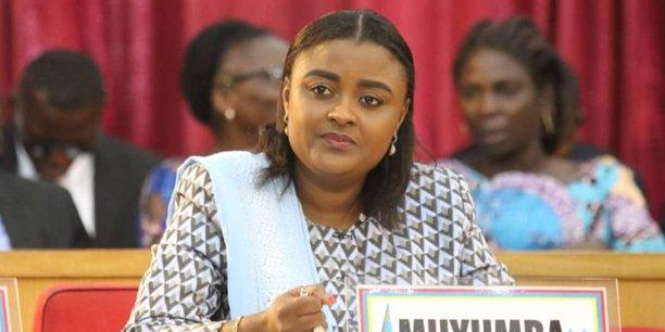 Francine Muyumba est une femme politique congolaise. Elue sénatrice en 2019, elle occupe également la présidence de la Commission des affaires extérieurs du Sénat.