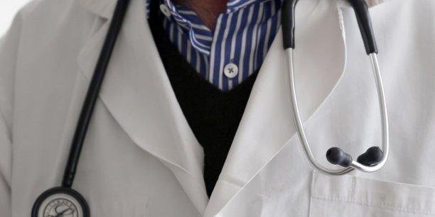 Plus de 1.200 responsables hospitaliers menacent de demissionner[reuters.com]