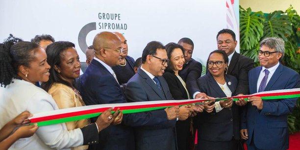 Le ministre malgache des Transports, du tourisme et de la météorologie, Joel Randriamandranto, officialise les activités de GS Aviation, lundi 13 janvier 2020 à Antananarivo.