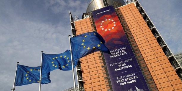 Bruxelles demande une injonction contre une reforme de la justice polonaise[reuters.com]