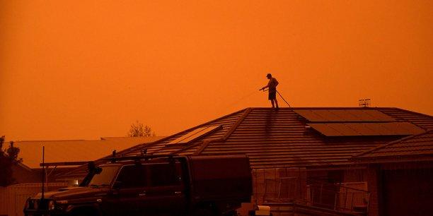 Les organisateurs de la réunion de Davos en Suisse dévoilent ce rapport au moment où les violents incendies en Australie témoignent de l'urgence climatique.