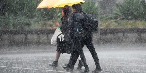 Australie: la cote est balayee par la pluie, un repit face aux incendies[reuters.com]