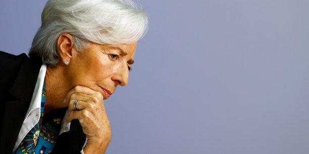 La bce maintient ses taux et lance le reexamen de sa strategie[reuters.com]
