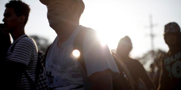 Mexique: les autorites arretent 800 migrants a la frontiere avec le guatemala[reuters.com]