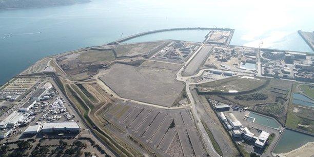 « Les opérations à venir sur le nouveau quai n'auront pas d'incidence sur les futures activités industrielles du polder », a prévenu la Région Bretagne.