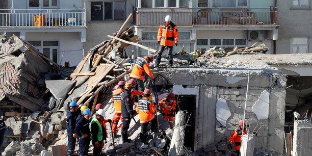 Turquie: le bilan du seisme s'alourdit a 35 morts[reuters.com]