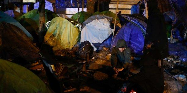 1.470 personnes evacuees de campements de fortune dans le nord de paris[reuters.com]