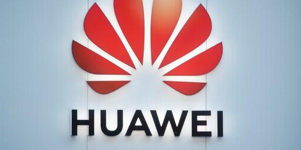 Dans un communiqué, Huawei s'est dit « rassuré par la confirmation du gouvernement britannique [de pouvoir] continuer à travailler avec [ses] clients afin de poursuivre le déploiement de la 5G ».