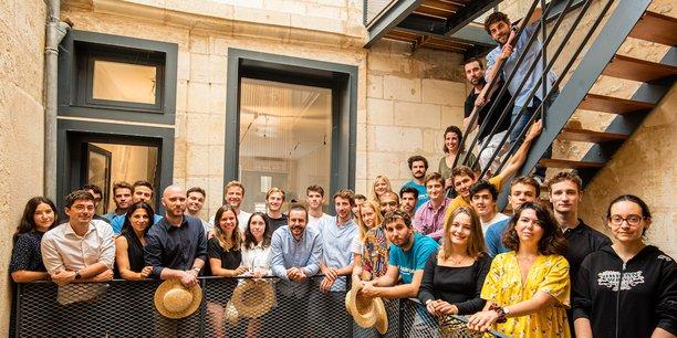 L'équipe de Little Worker au siège de l'entreprise désormais situé à Bordeaux.
