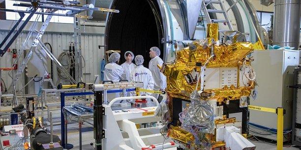 Avant son lancement en orbite, Taranis subit de nombreux tests à Toulouse.