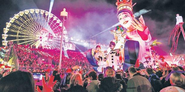 Le carnaval de Nice (ici, lors de son édition 2019) entraîne chaque année la création de 1800 emplois directs et génère 30 millions d'euros de retombées économiques., Il se déroulera cette année du 15 au 29 février.