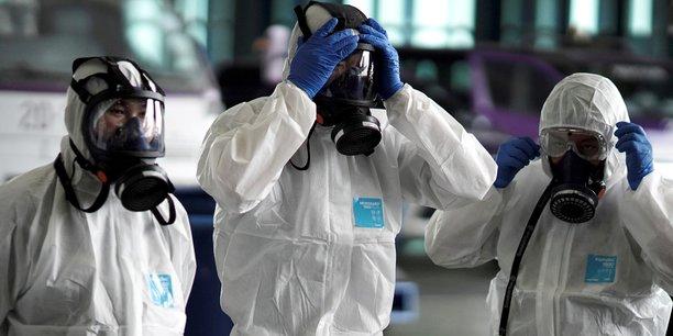 Coronavirus: un mix d'antiviraux teste en thailande donne des resultats encourageants[reuters.com]